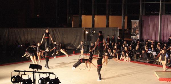 Acrobatic Show Orchestre Live